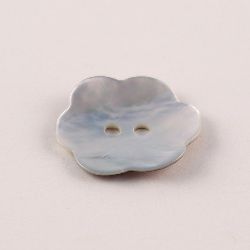 Mother of Pearl button Aumérine