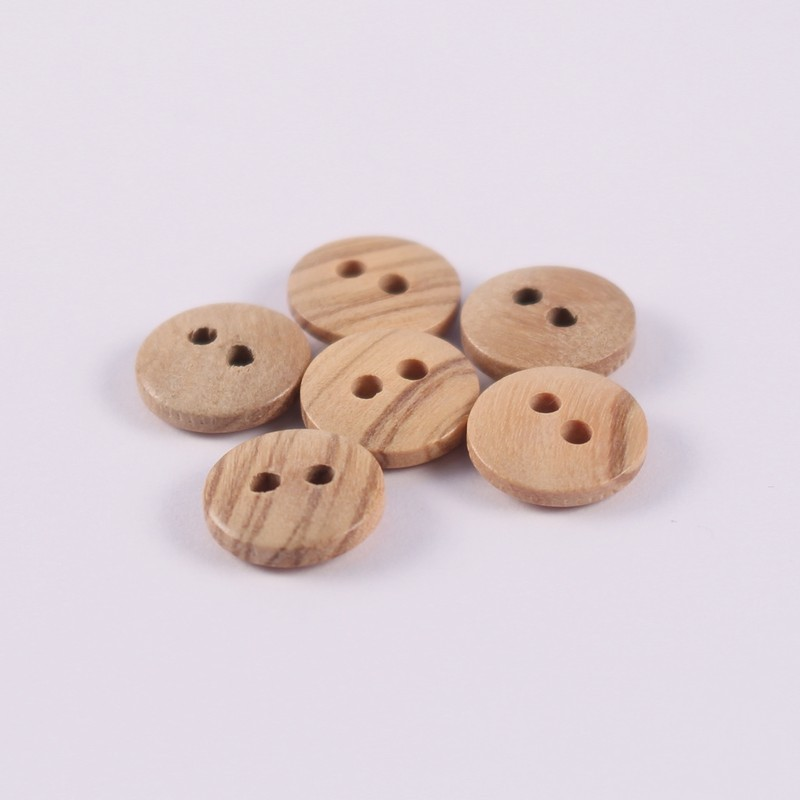 Set of 6 Berthold wooden buttons