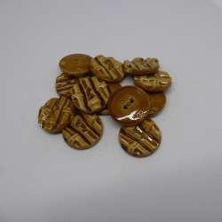 Tube of 25 haberdashery buttons