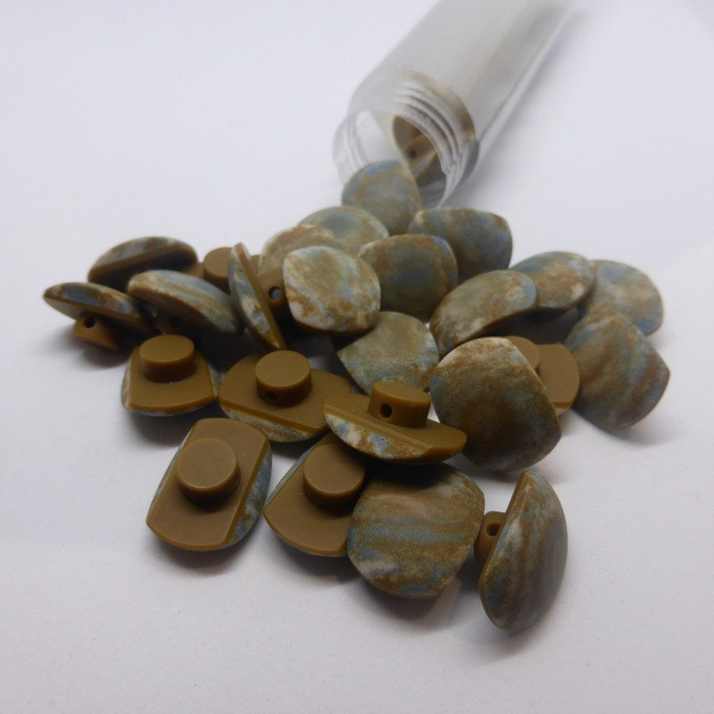 Tube of 30 buttons