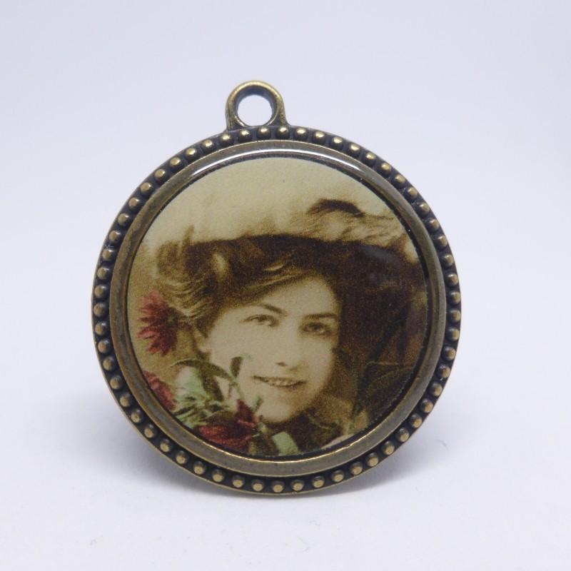 Bouton metal portrait 31mm Gena