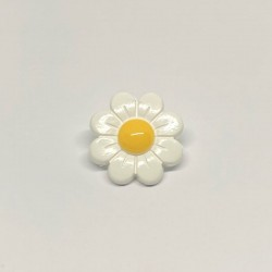 Button to sew flowers