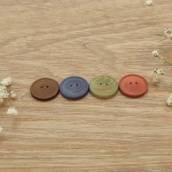Wooden sewing button colour