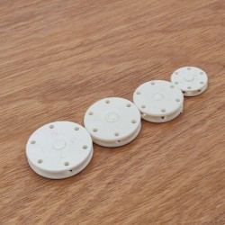 Sew-on snap fastener for dyeing