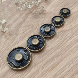 Metal sewing snap fastener